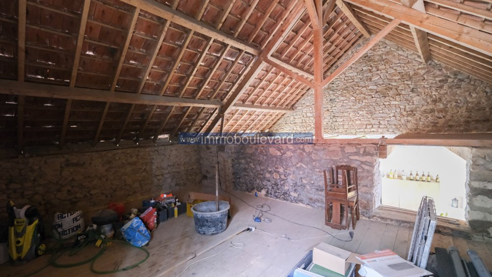 Natural stone house with barn for sale near Arleuf, Morvan