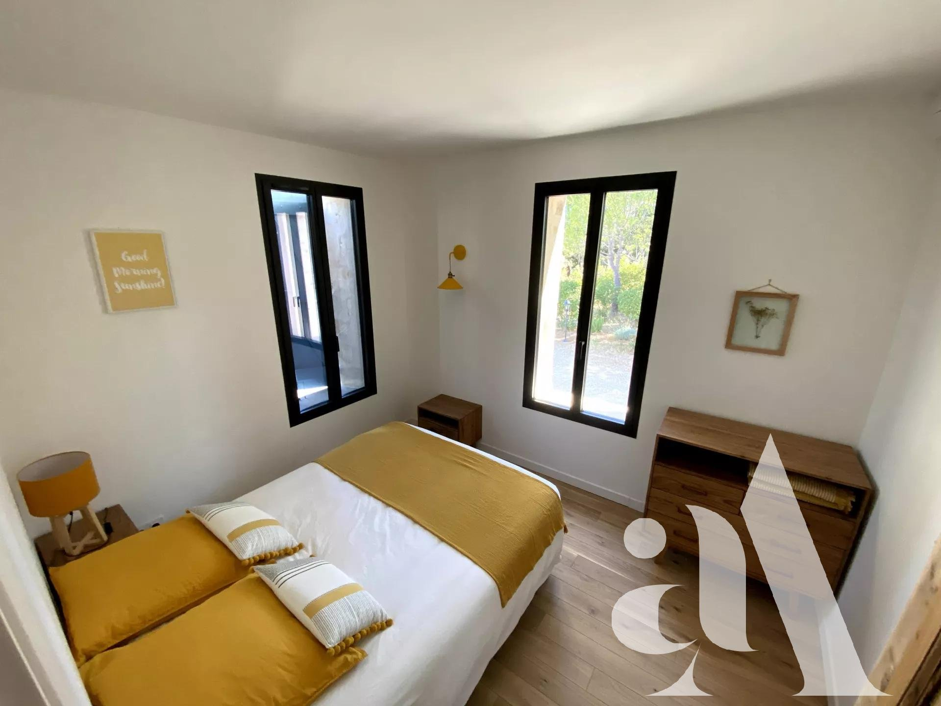 MAS CELINE - EYGALIERES - ALPILLES - PROVENCE- 5 chambres- 10 personnes