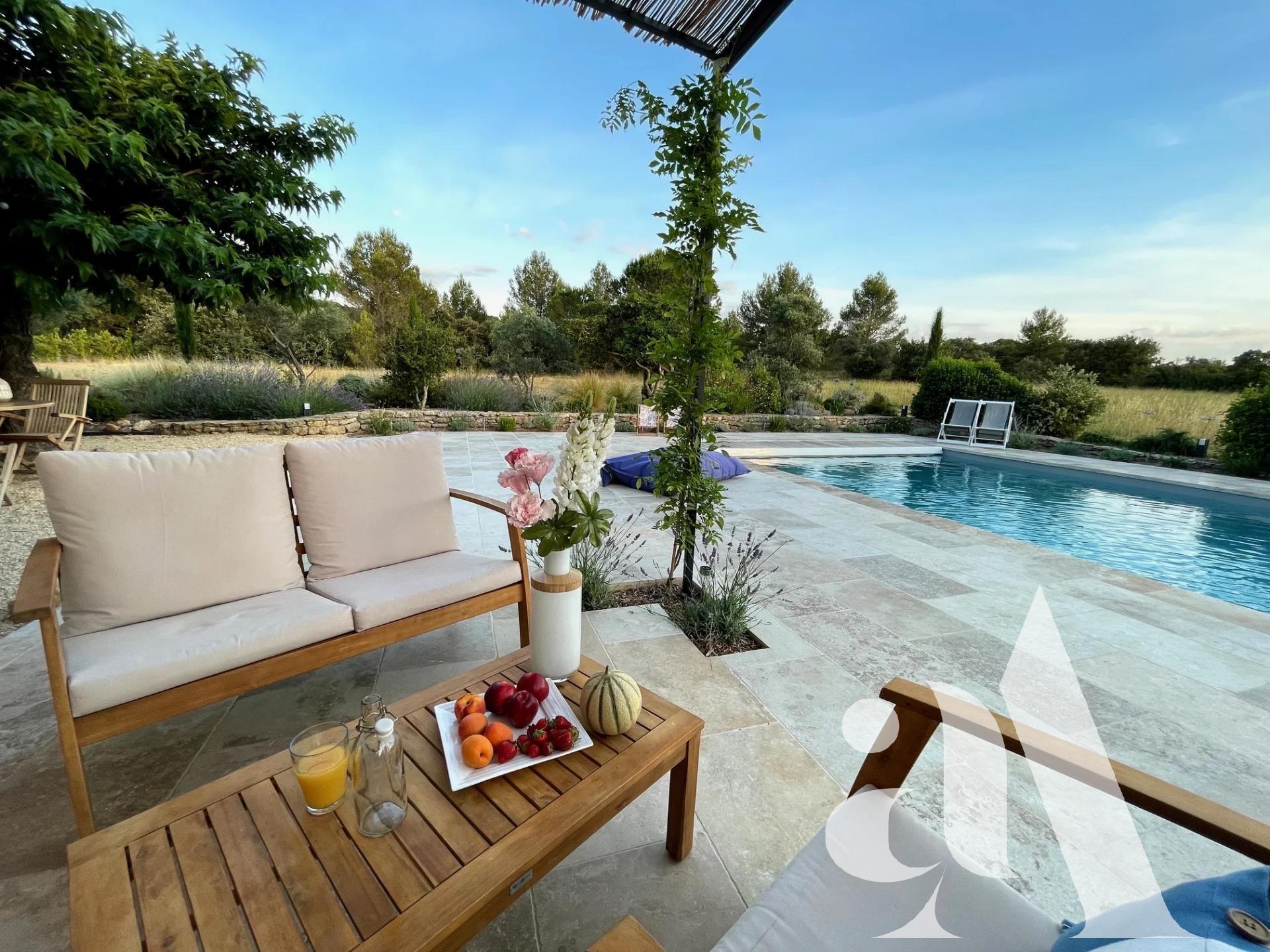 MAS CELINE - EYGALIERES - ALPILLES - PROVENCE- 5 bedrooms- 10 peoples
