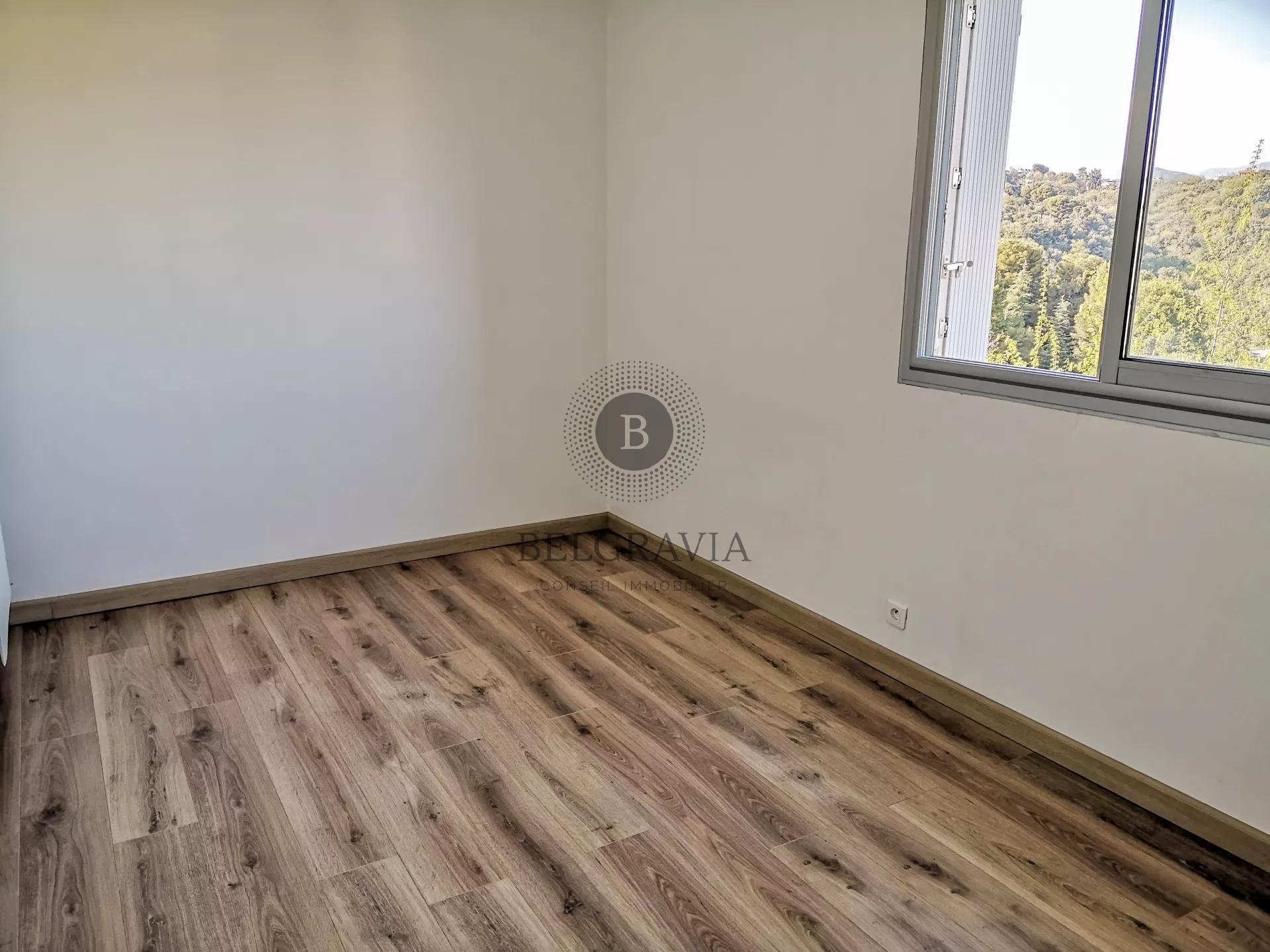 3 Rooms - Terrace with clear view - Garage - Cellar