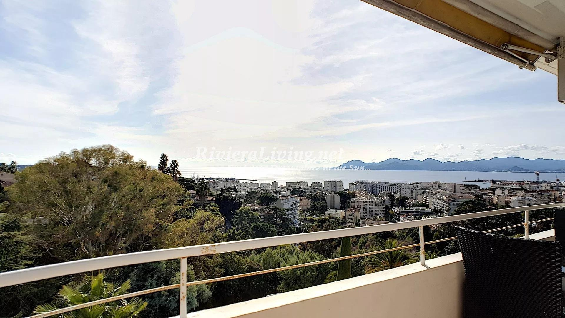 CANNES BASSE CALIFORNIE --- 2 bedroom apartment with panoramic sea views