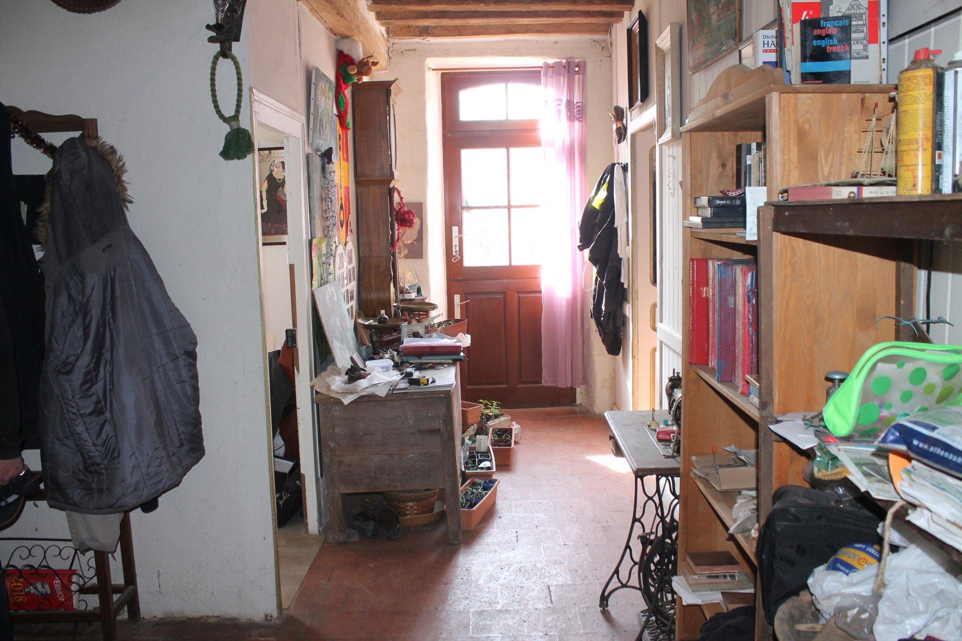 ensemble maison 110m² + 700 M² de dépendances à Dangeul