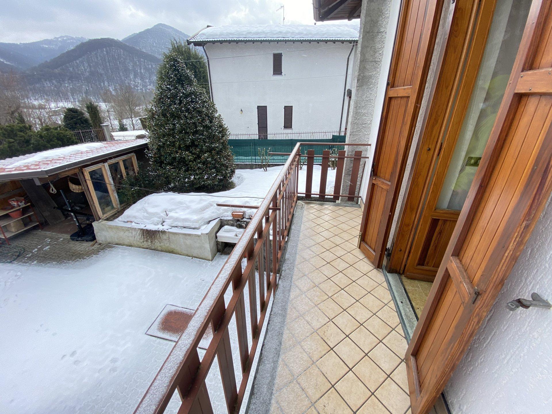 Sale Villa - Alta Valle Intelvi - Italy