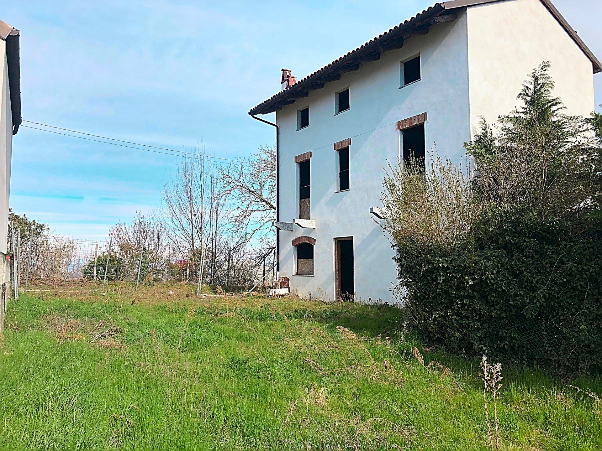Villa da ultimare con vista panoramica