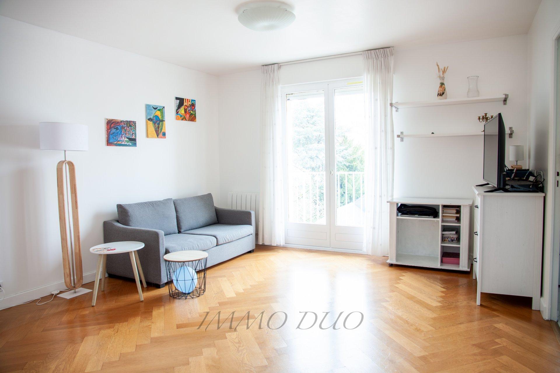 Studio - Centre Ville - Balcon - Dernier étage