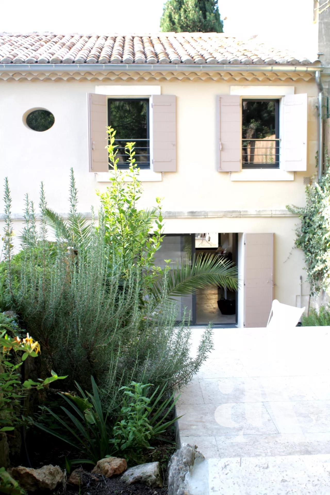 MAISON JACINTHE - FONTVIELLE - ALPILLES - 4 chambres- 8 personnes