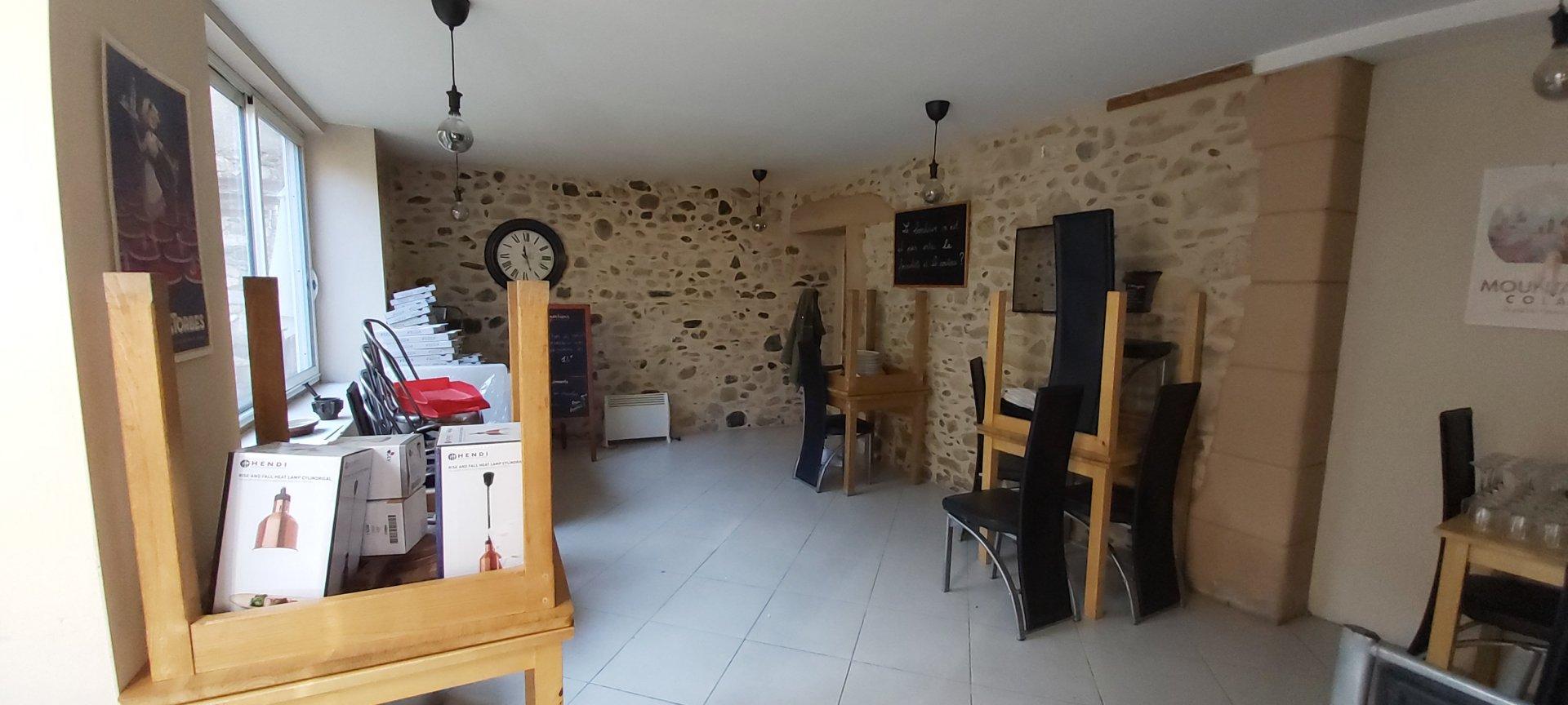 Sale Building - Saint-Martory