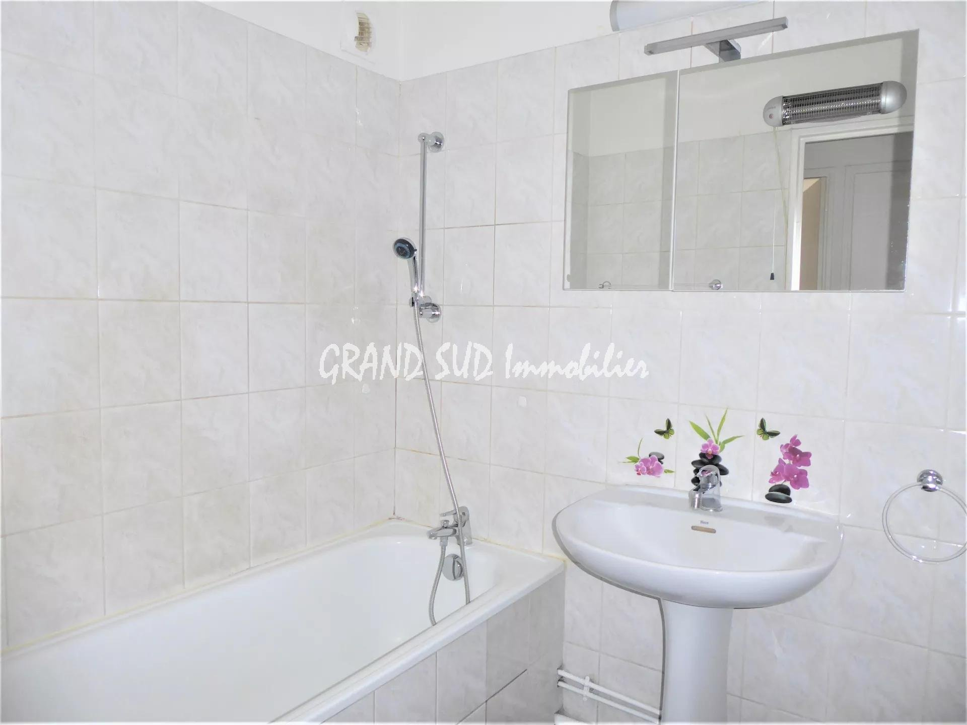 TOULON ST JEAN T3 RESIDENCE SECURISEE
