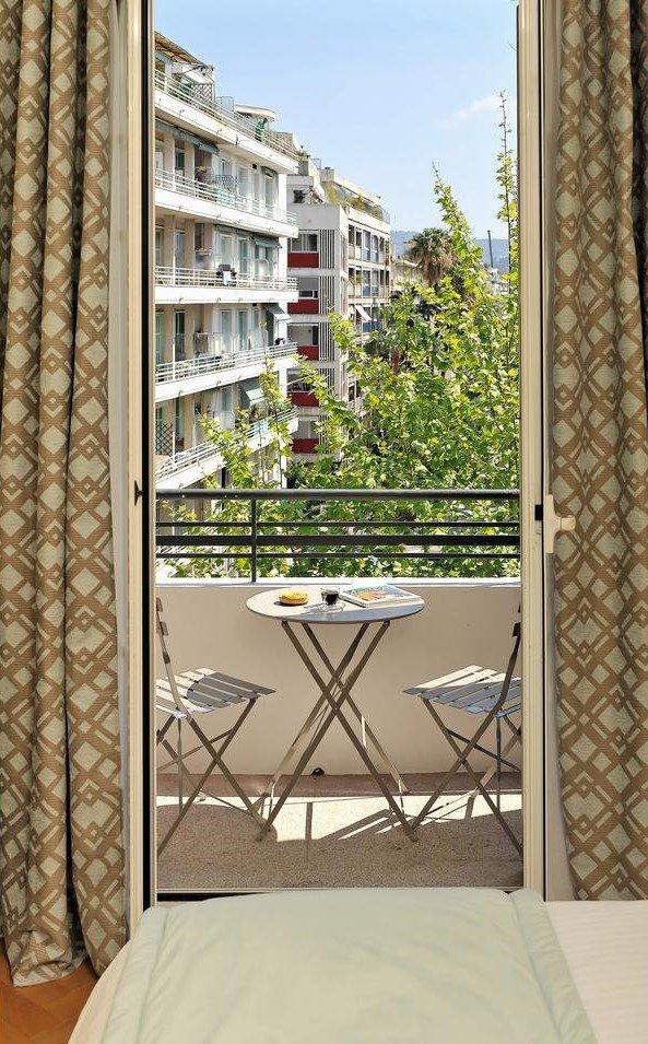 Trerumslägenhet med balkonger - Nice Fleurs