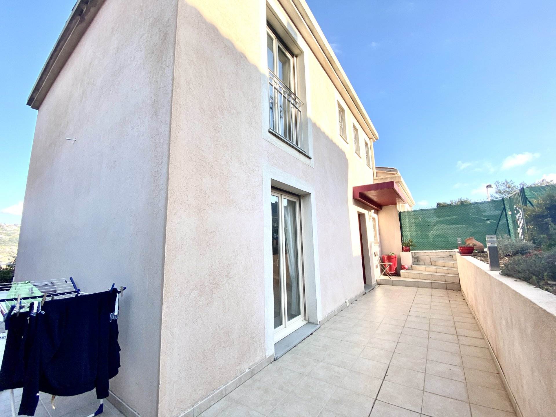 Saint Laurent du Var, House 4P with garden, quiet, dominant position