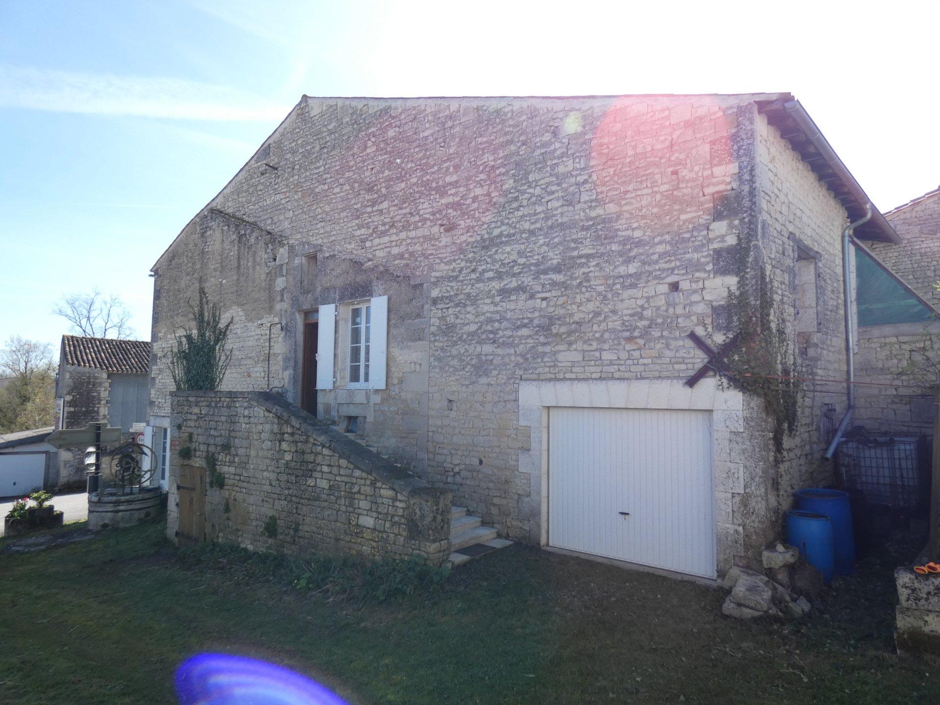 AMBERAC Maison de village