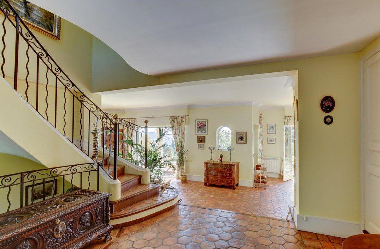 Villa med pool och panoramutsikt över havet - Nice Gairaut