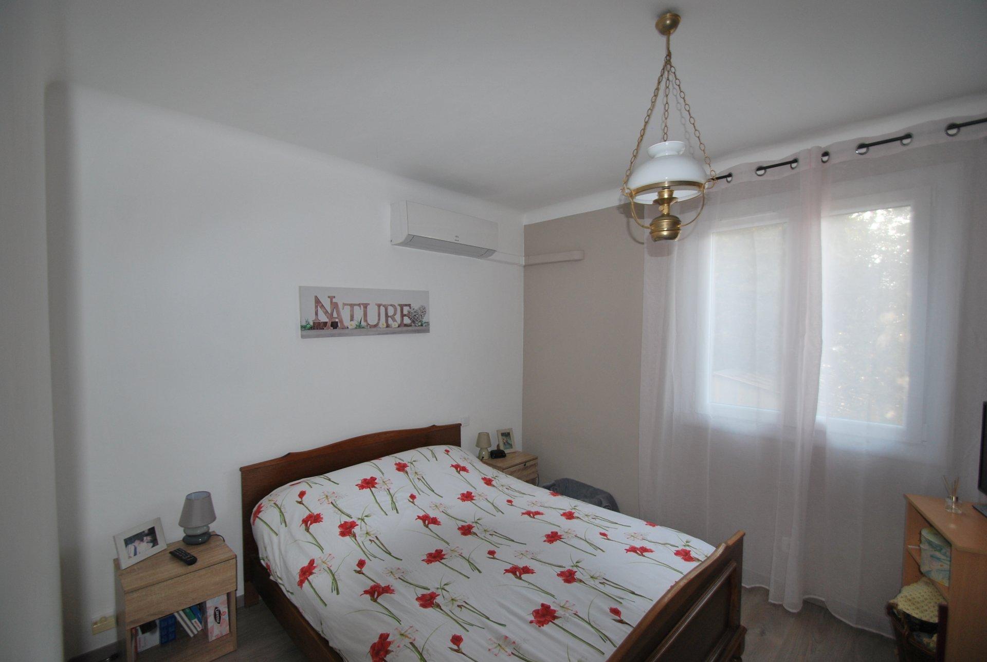 Villa à vendre à proximité du centre village de Fontvieille