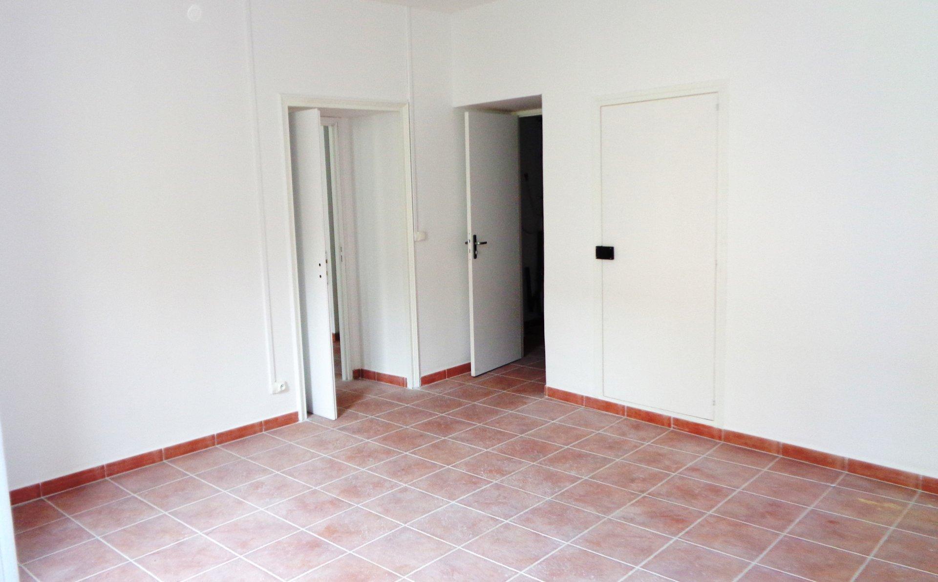 AUBAGNE - Spacieux appartement T2 à louer