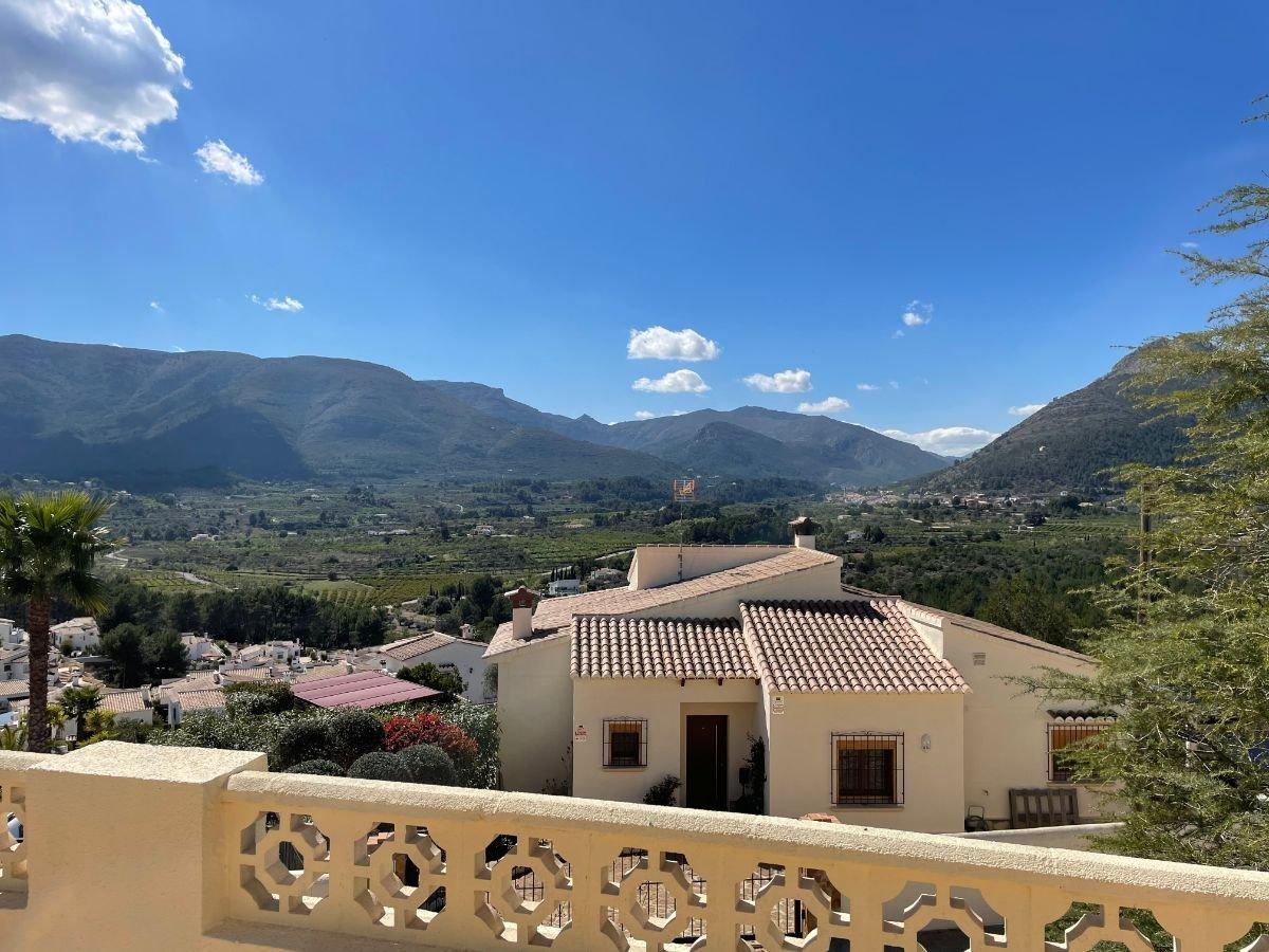 Villa met fantastisch uitzicht op de bergen
