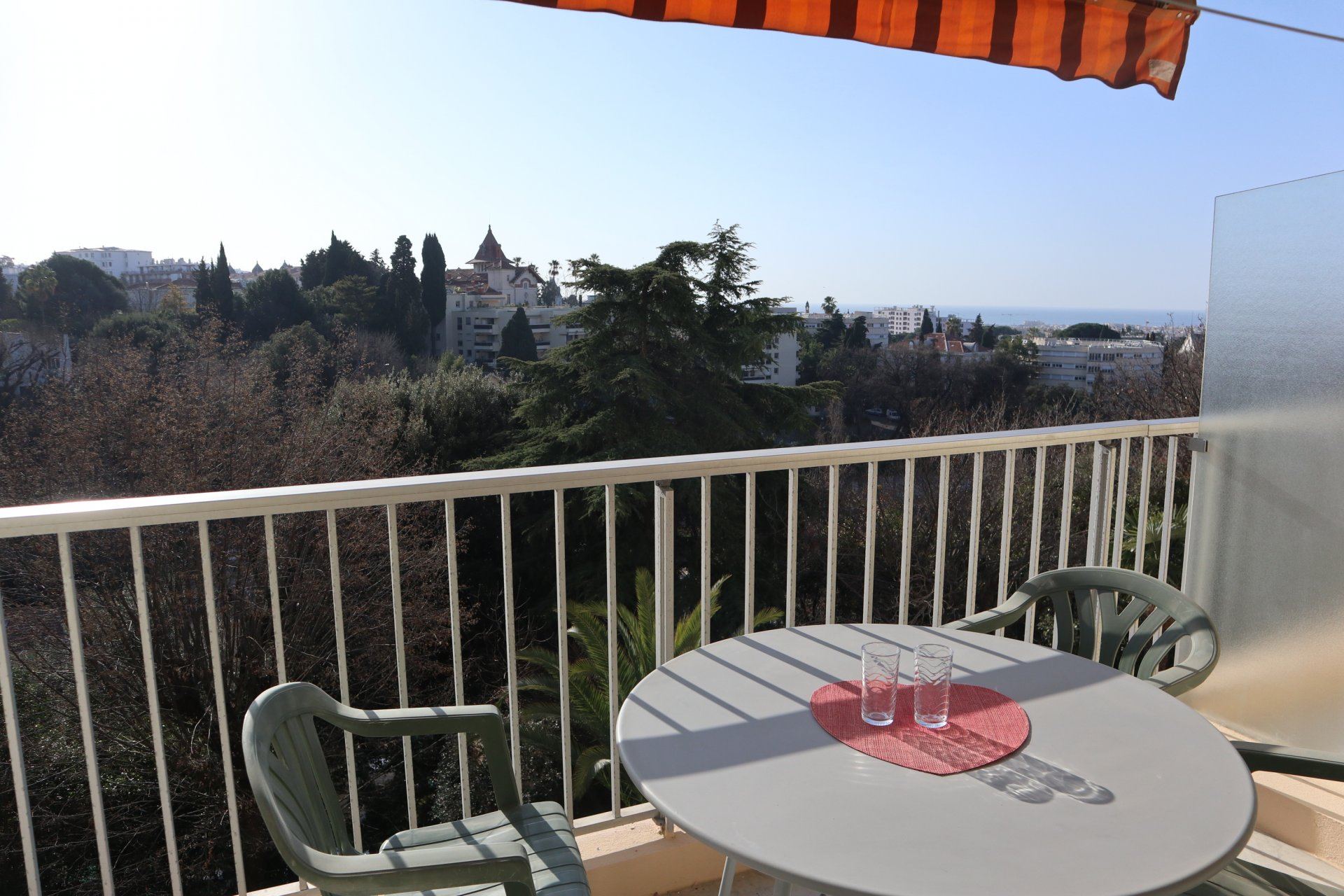 2  PIECES TERRASSE RESIDENCE STANDING VUE MER