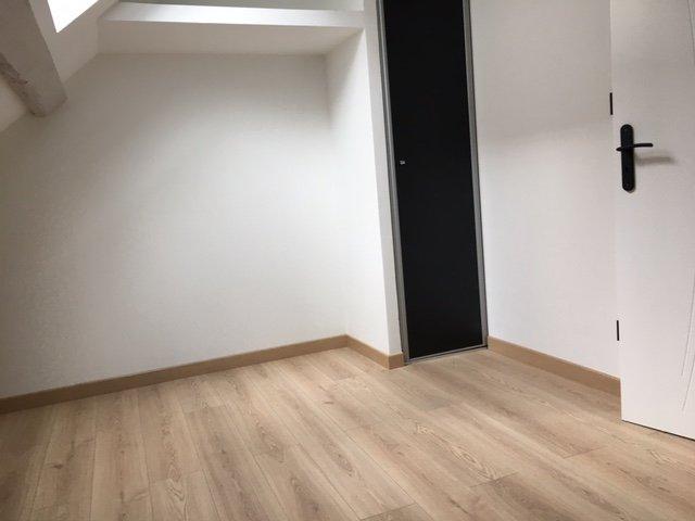 appartement type 2 neuf en dernier étage centre ville