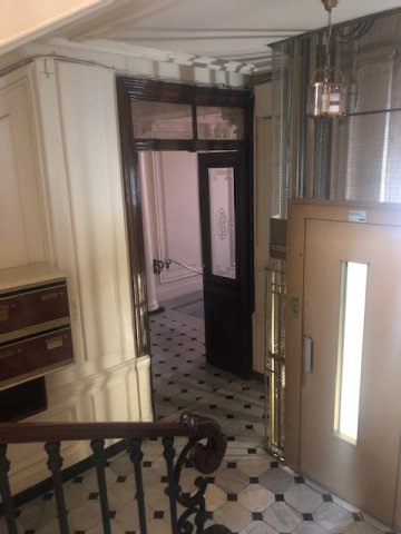 NICE Dubouchage 3/4 Bdr, last floor