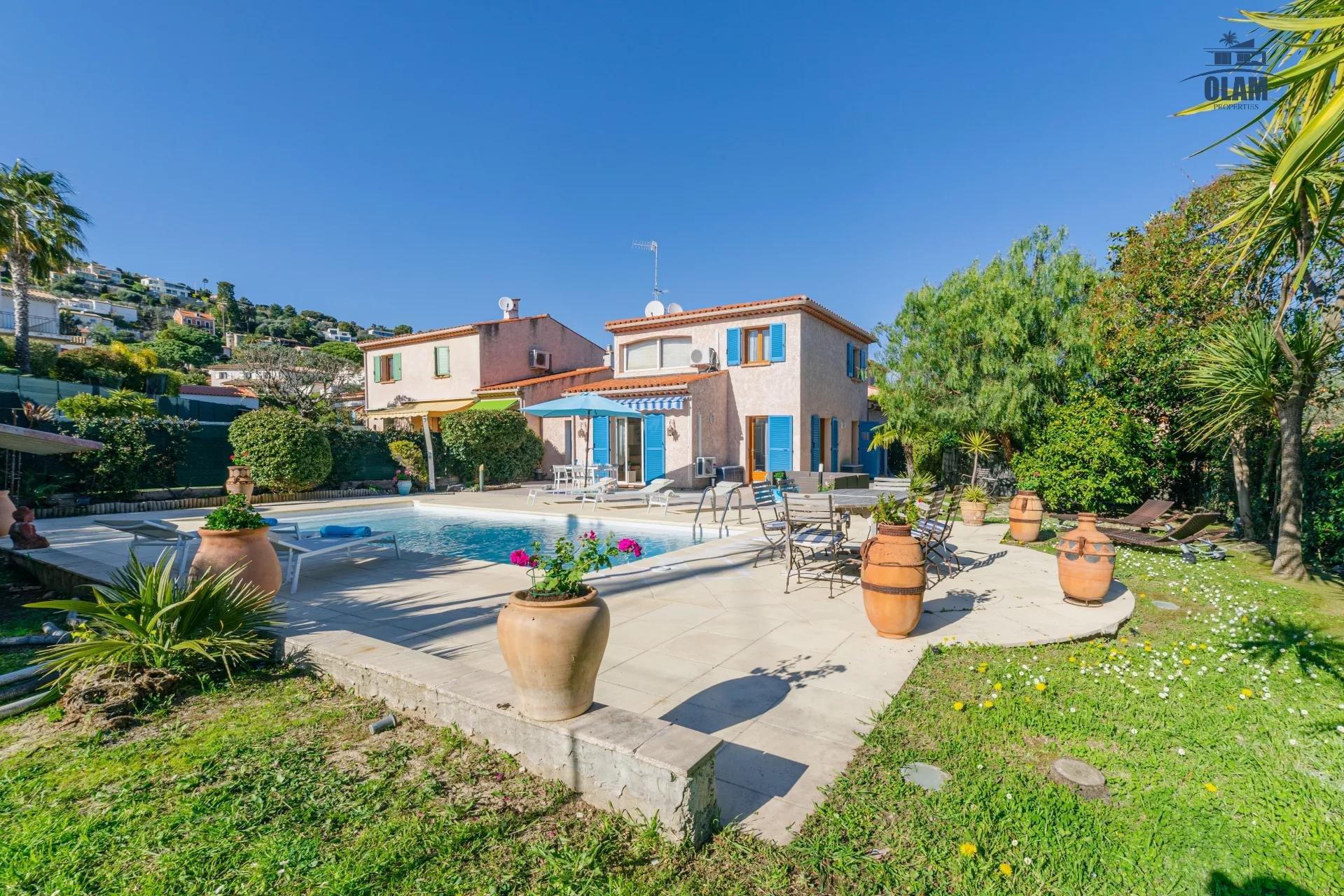 Maison familiale collines de Cannes - Jardin terrasse - Grande Piscine
