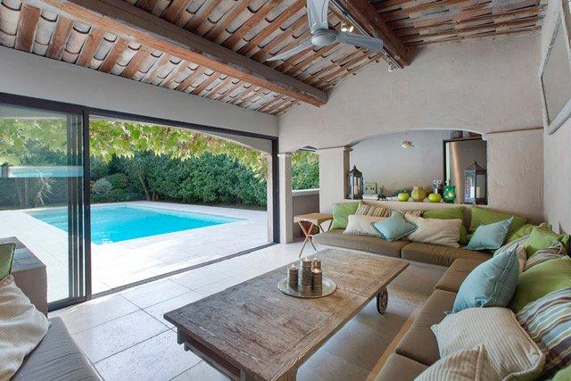 Spacious family villa in a quiet environment