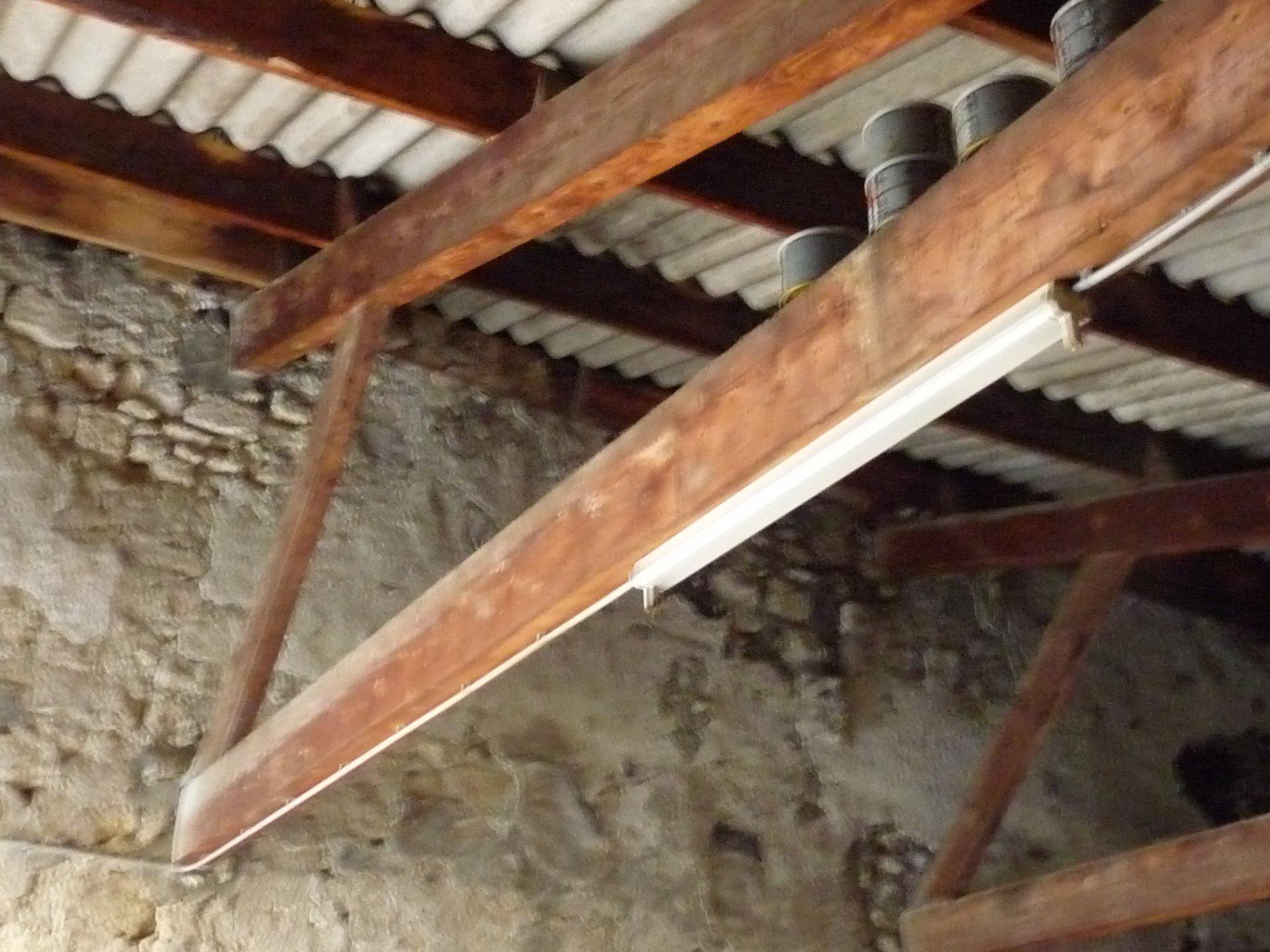Beaucaire: garage de 115m²