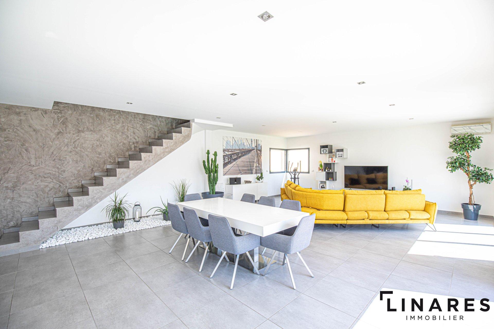 Sale Villa - Plan-de-Cuques
