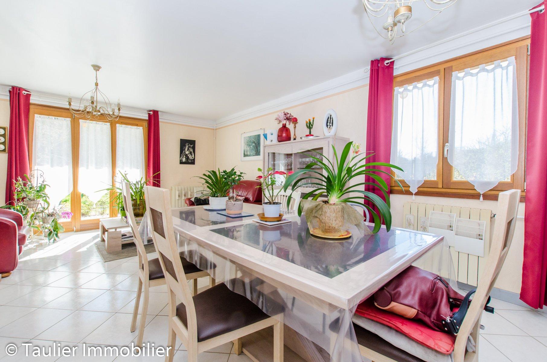 Maison T4 avec 4750 m² de terrain