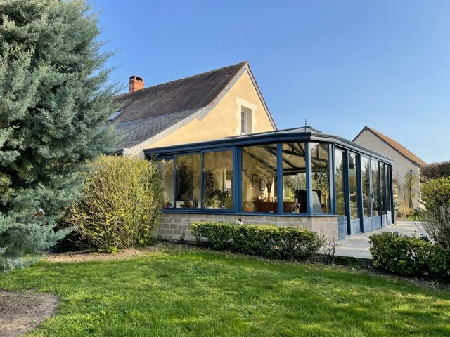 Sale Property - Savigné-sur-Lathan