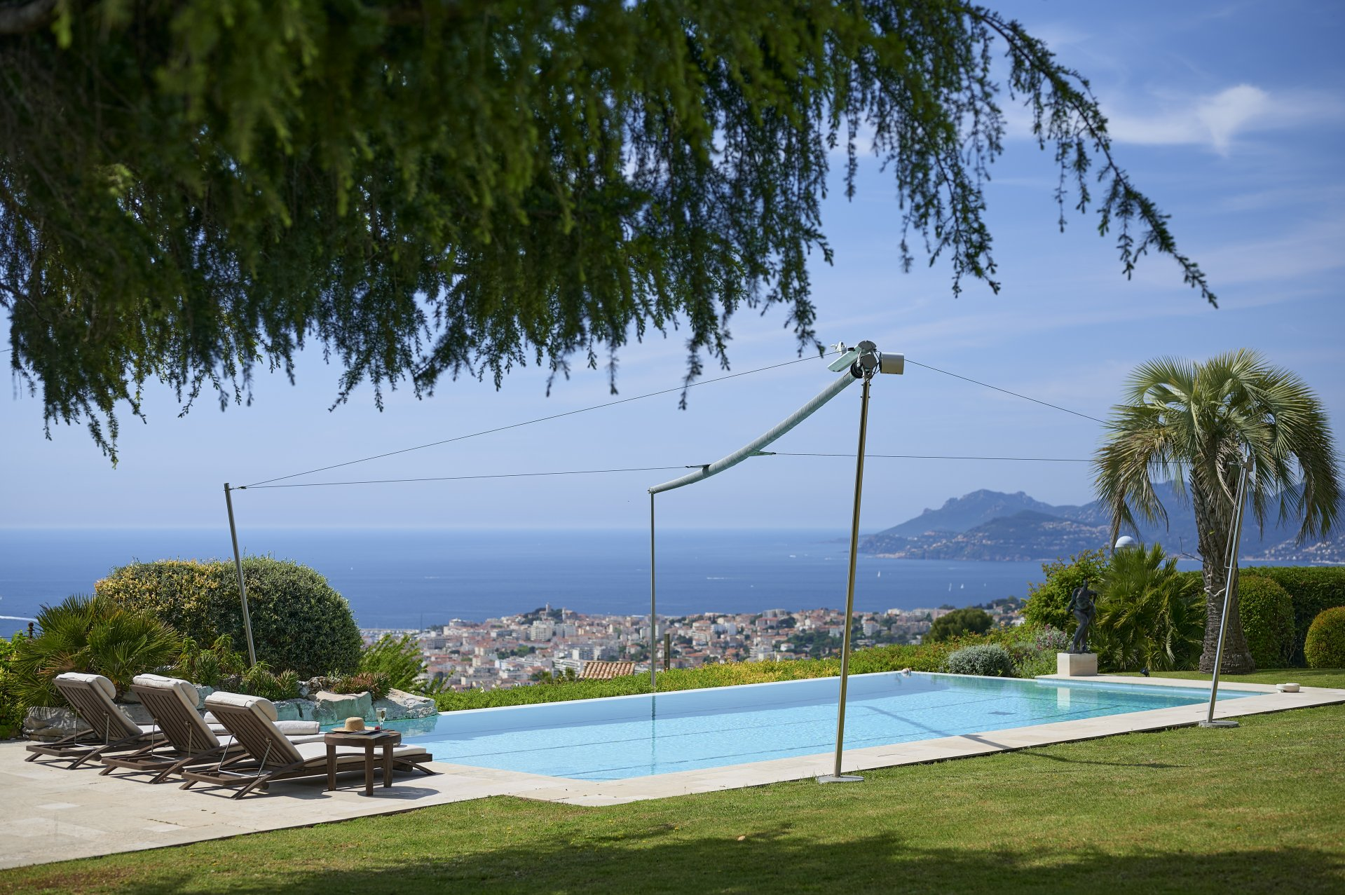 Sumptuous Bergerie with panoramic sea view