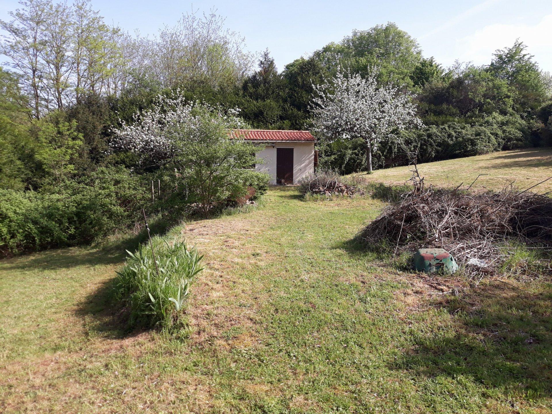 Sale Plot of land - Ceaux-en-Couhé