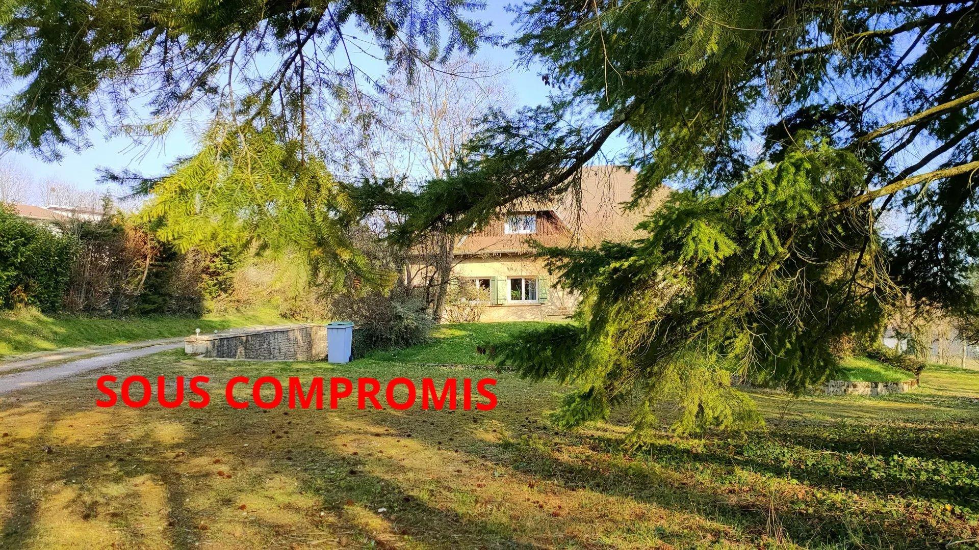 MAISON 240m²/11 PIECES/ 7 CHAMBRES /TERRAIN 4500m²