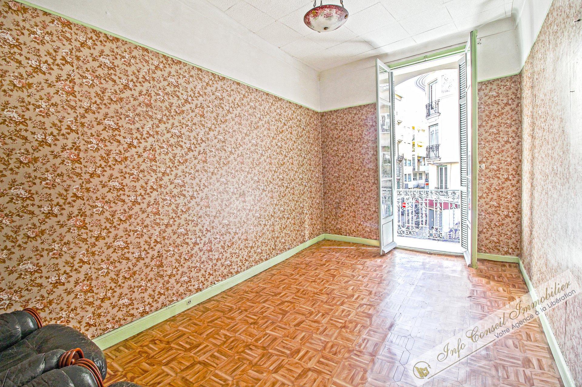 LIBERATION - Bourgeois - 3P - Balcon - A rénover - 200.000 €
