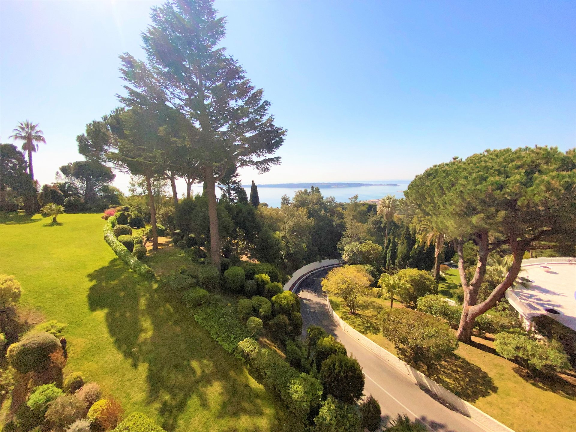 CANNES CALIFORNIA MAGNIFICENT 3P PANORAMIC SEA VIEW