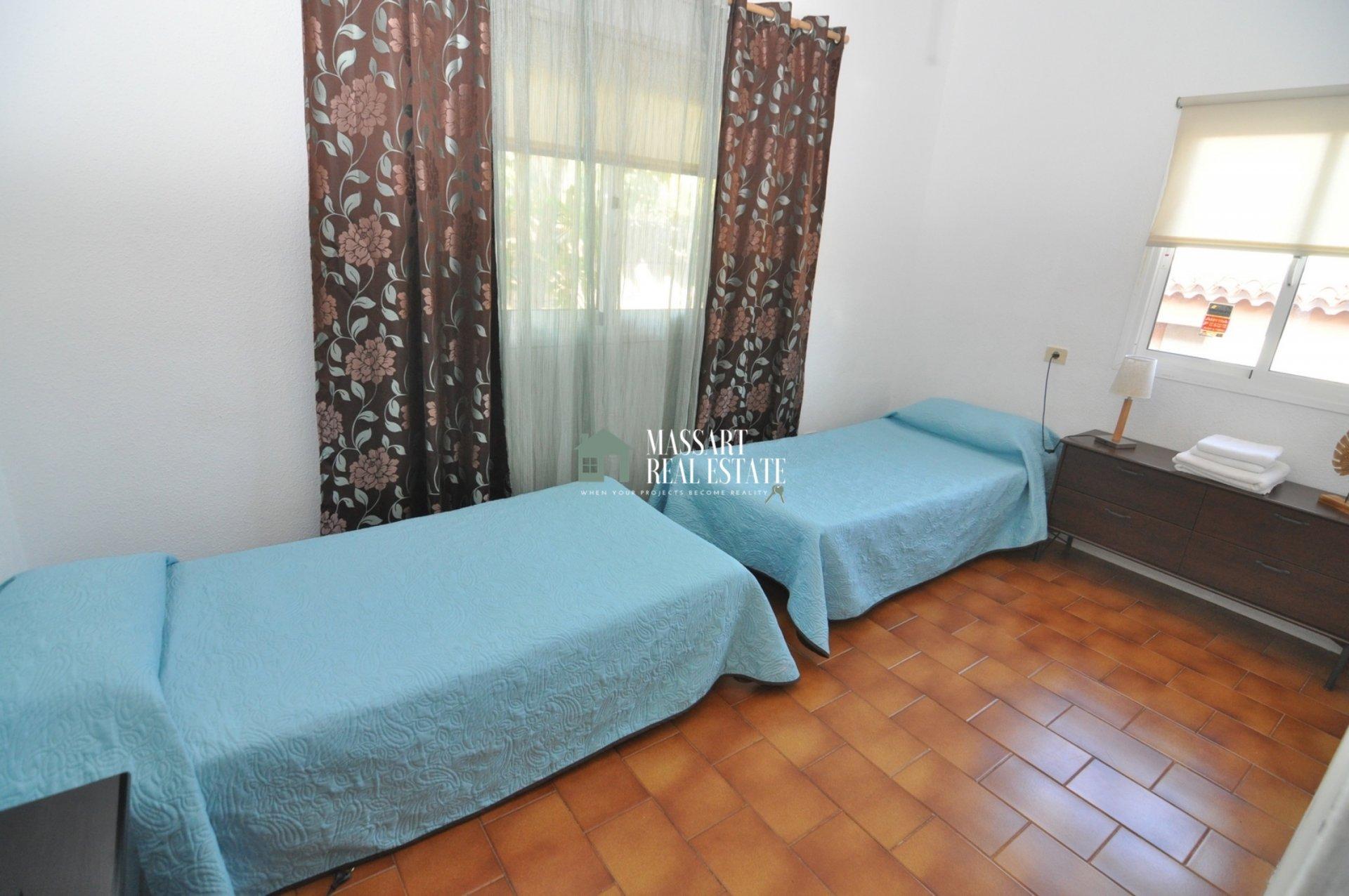 Villa située sur un terrain de 560 m2 à Costa del Silencio, dans le complexe résidentiel El Trébol ... grand potentiel d'exploitation touristique!