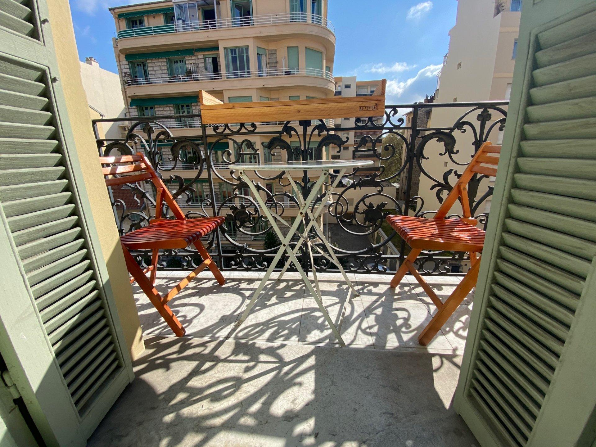 LIBERATION, 4 pièces avec balcon et cave