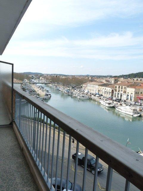 Beaucaire T3 avec balcon et ascenseur