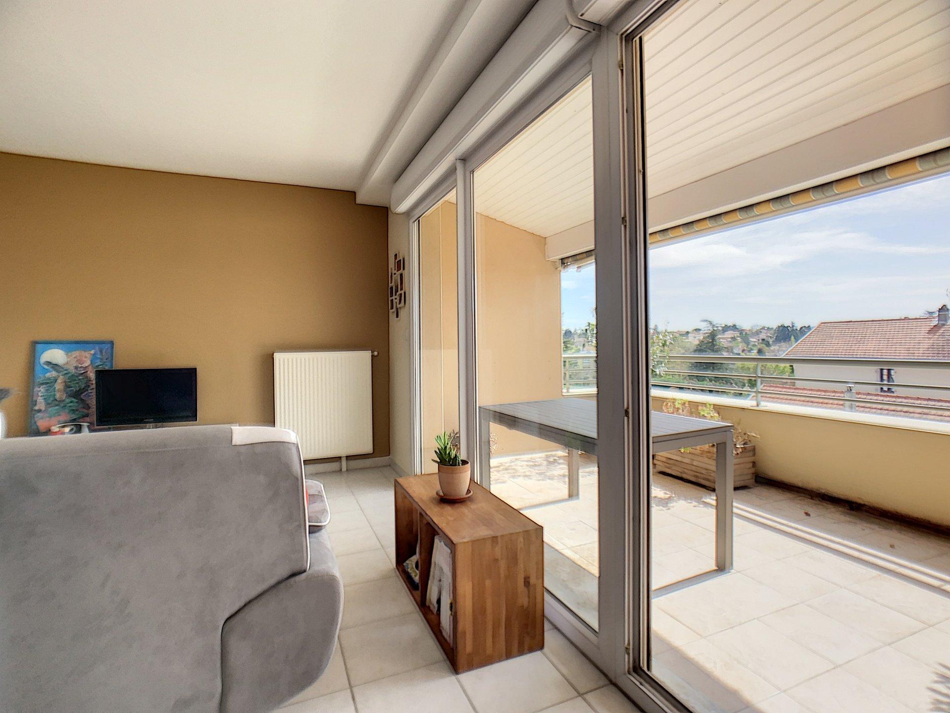 Grand T2 avec balcon