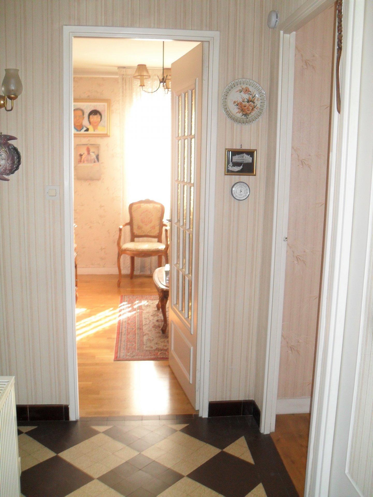 Lumineux T4 en étage avec ascenseur