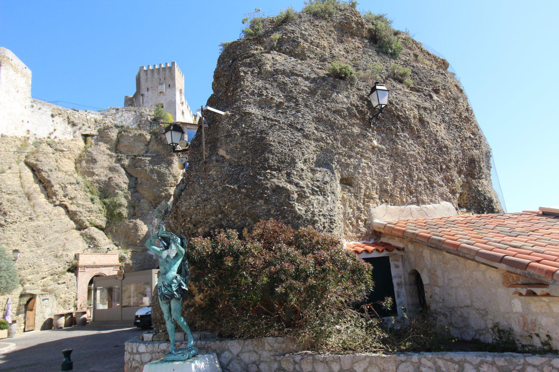 Продажа Квартира - Рокбрюн-Кап-Мартен (Roquebrune-Cap-Martin) Village