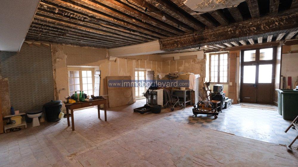 Te renoveren woning te koop in Moulins Engilbert, Bourgogne