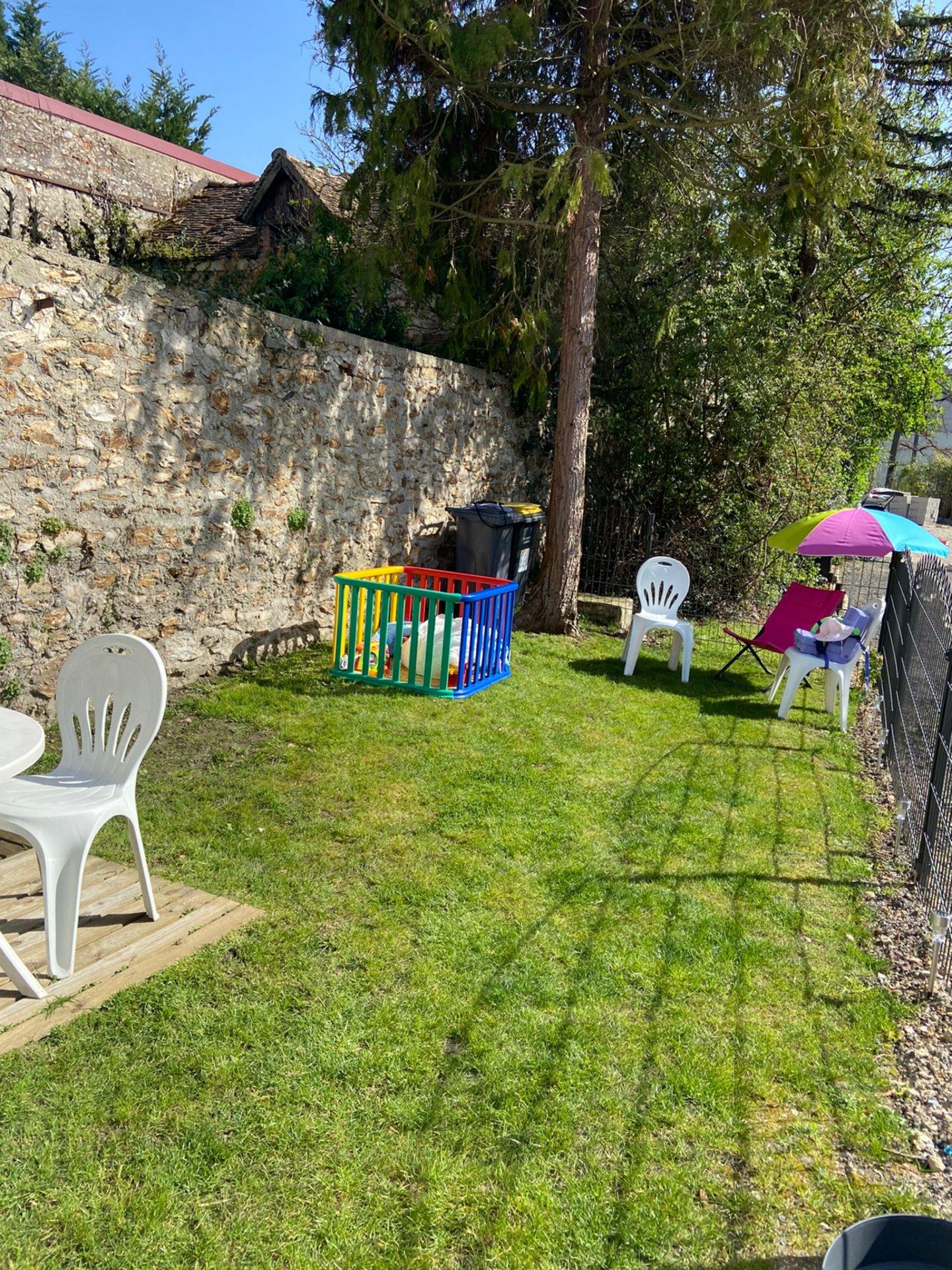 Maison de ville 2 pièces, de plain pied ! avec jardinet