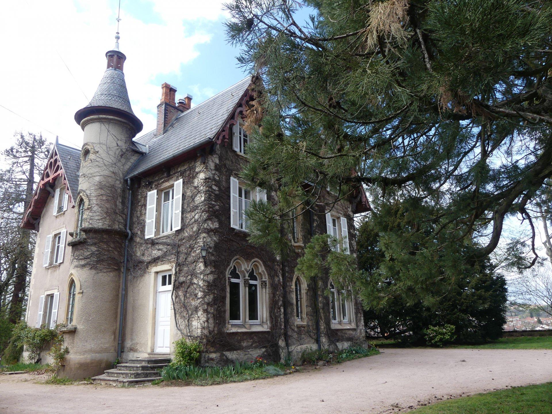 Bourgogne du Sud - Charmant Manoir - Fin XIXème siècle