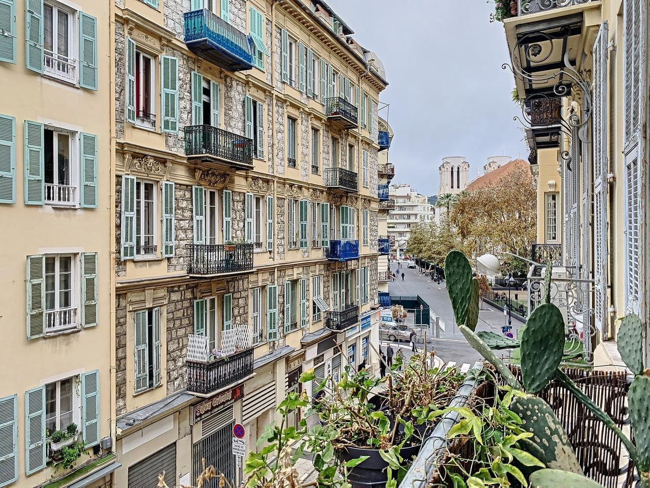 Nyrenoverad 3:a med balkong - Nice Musiciens