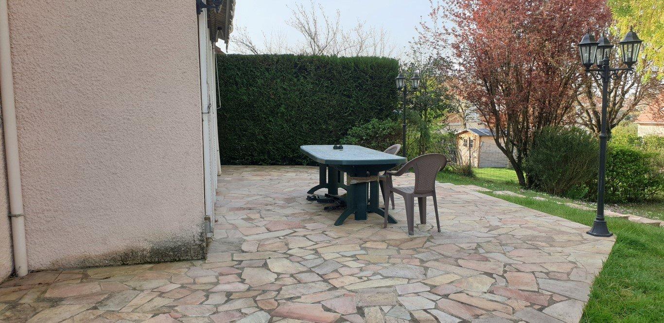Sale Pavilion - Bruyères-le-Châtel