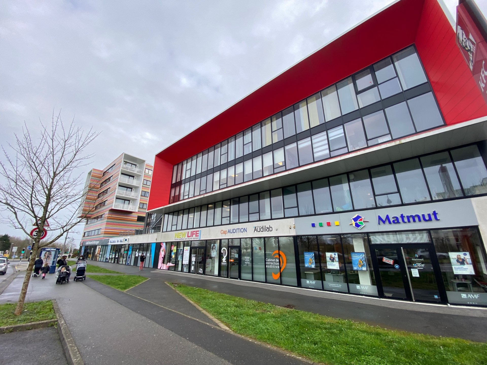 LOCAL COMMERCIAL - 78M² - BREST ST PIERRE