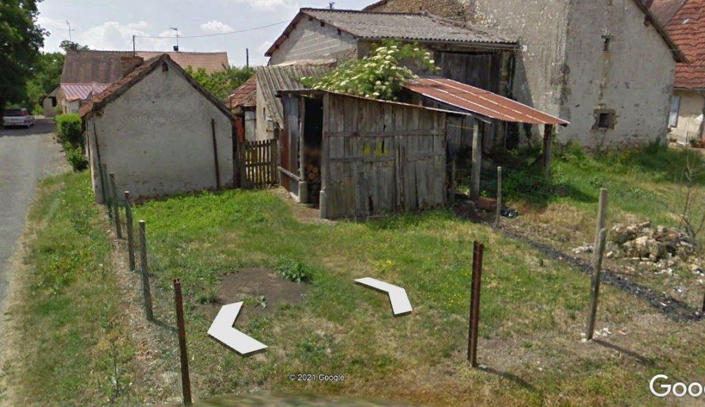 petite maison en pierre avec dépendance attenante et grenier aménageable