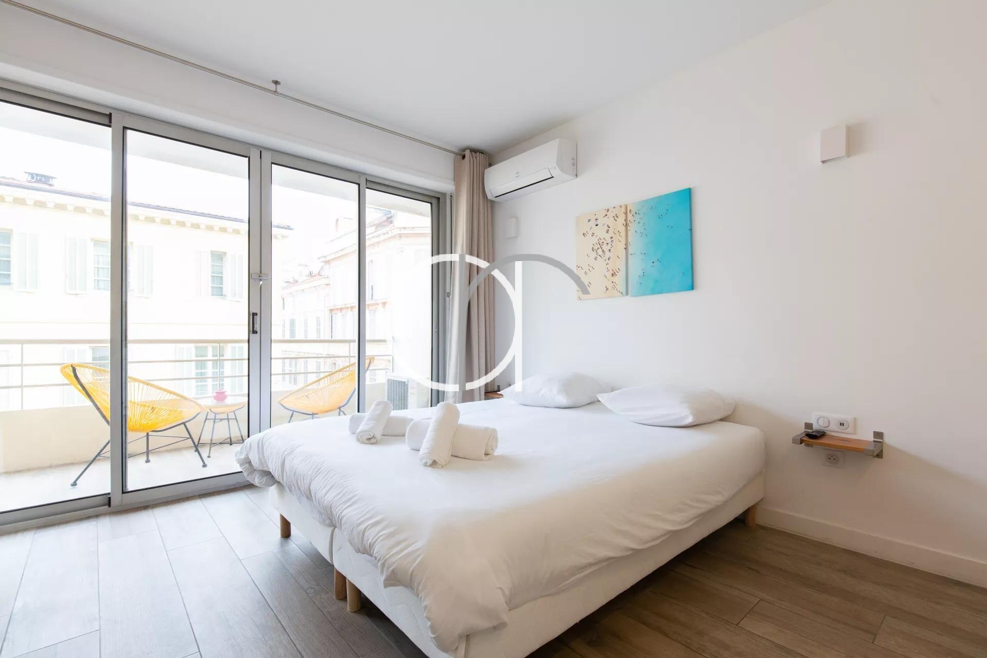 GRAND HOTEL - STUDIO AVEC TERRASSE