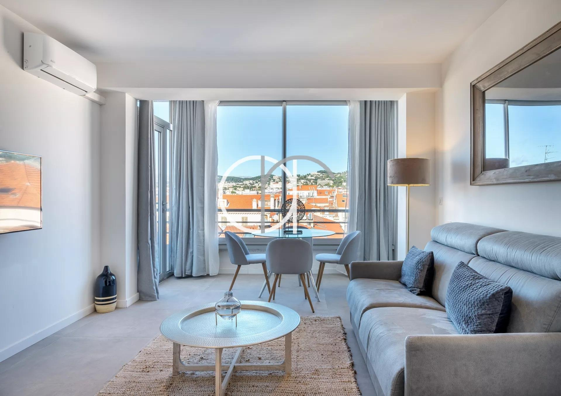 GRAND HOTEL - STUDIO WITH TERRACE - 4 PEOPLE