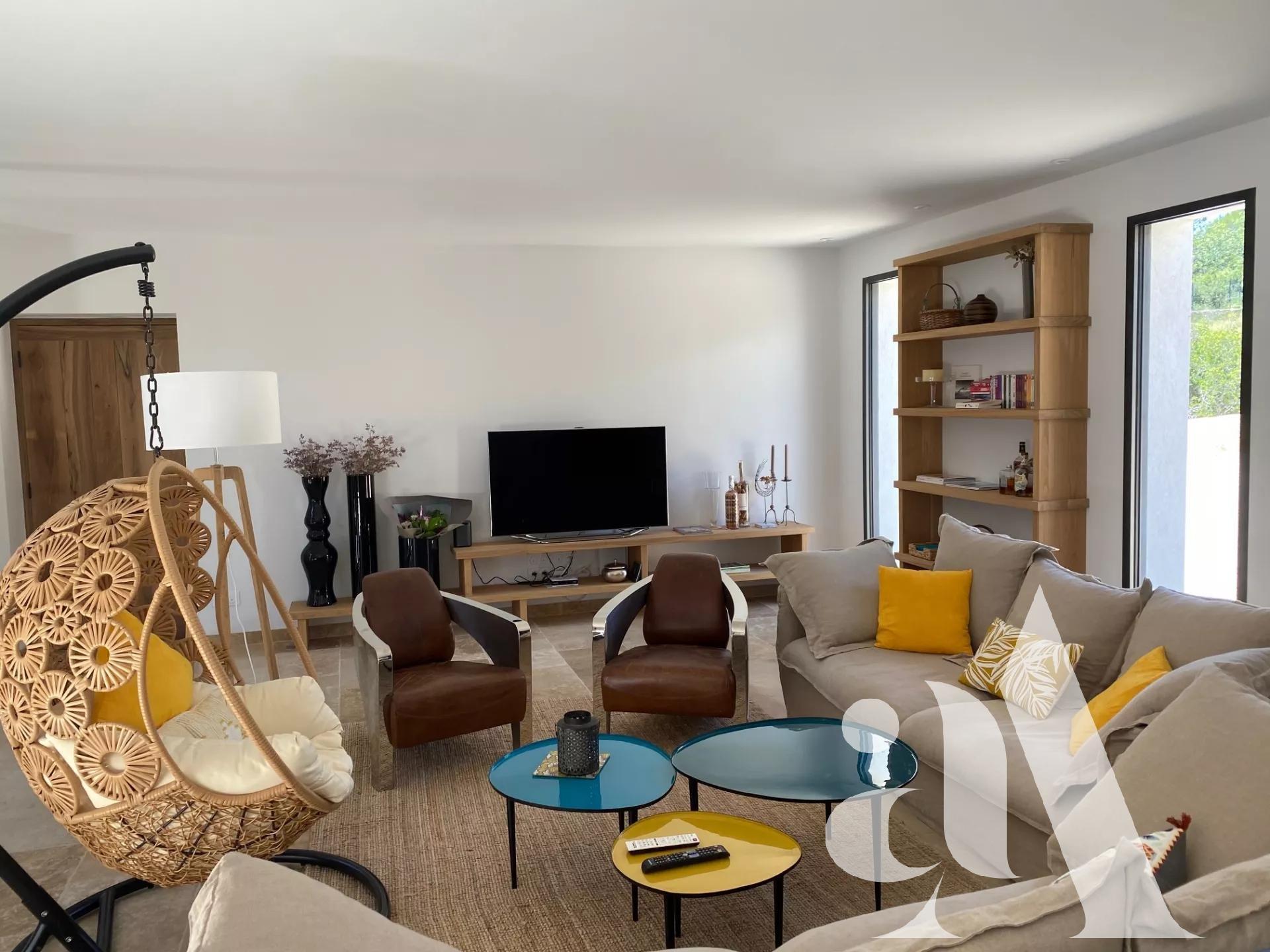 MAISON EBUSCADES -JOUCAS- LUBERON - 4 chambres - 8 personnes