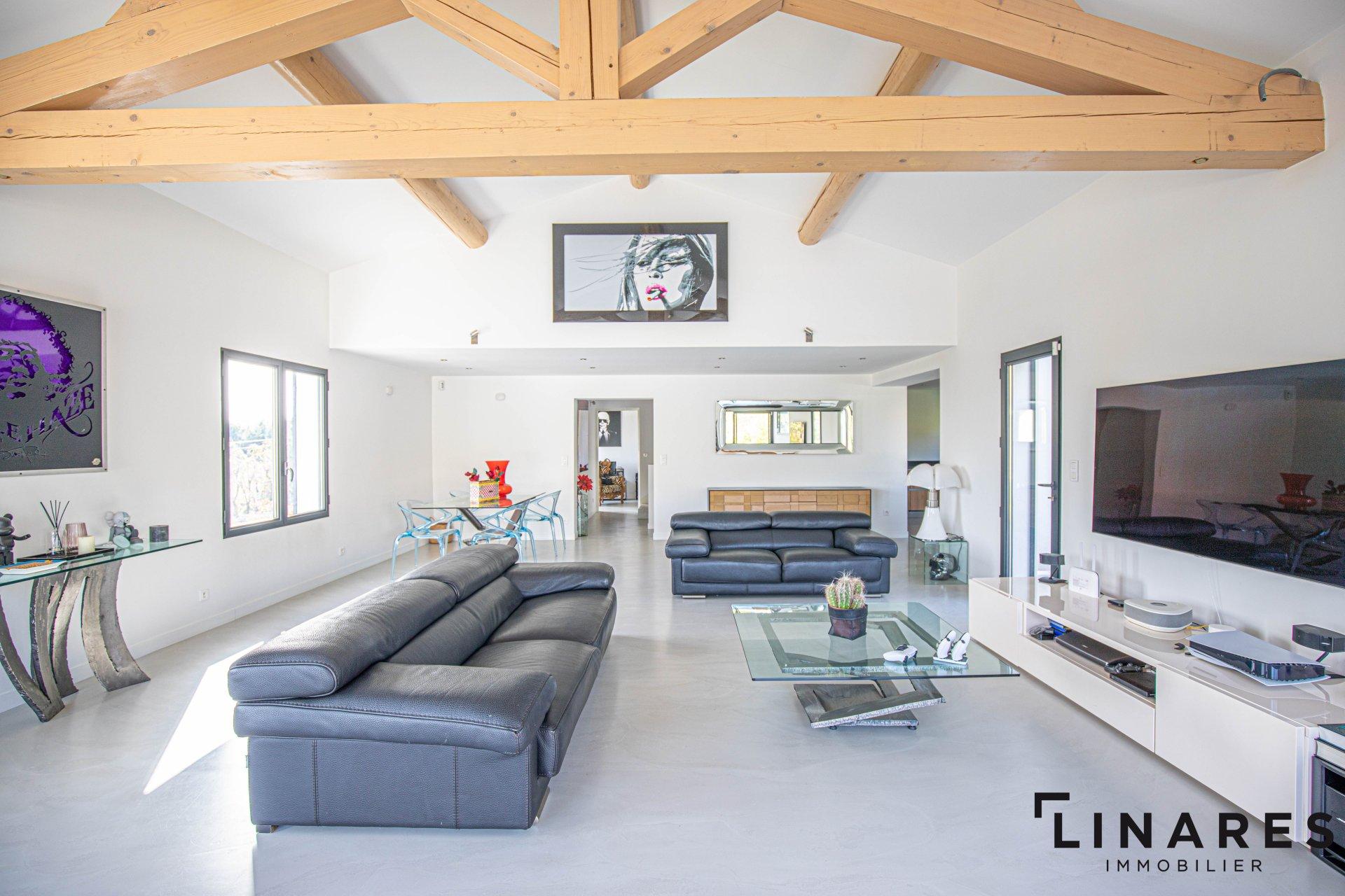 LA SIGNATURE - Villa de 240m2 habitable, terrain 2000m2 avec piscine et garage